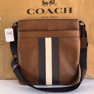 ✅❤️❎Coach Crossbody with Varsity Stripe F23216